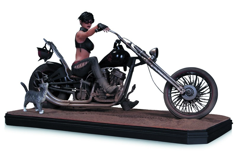 Catwoman - Gotham City Garage - Resin Statue