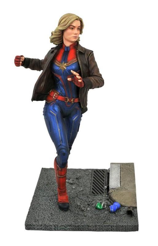 Captain Marvel - Captain Marvel - Premier Collection Statue