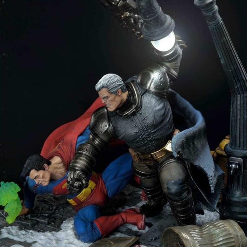 Batman Vs. Superman Deluxe Bonus Version - DC Comics (The Dark Knight Returns) - Polystone Diorama