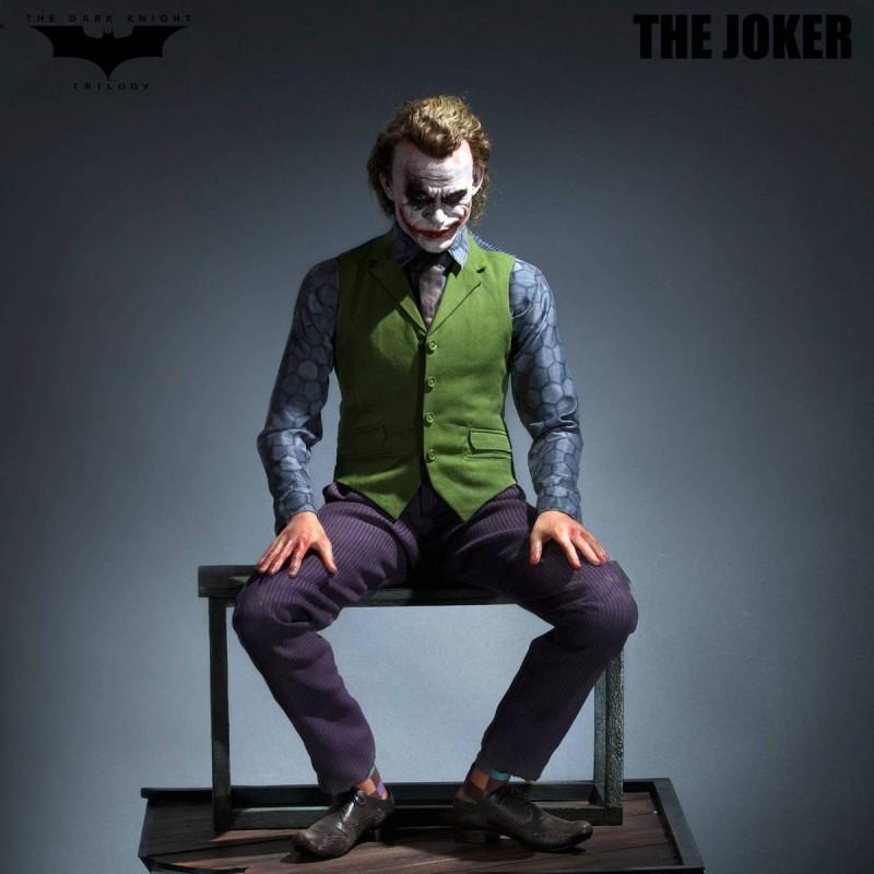 Joker (Special Version) - The Dark Knight - 1/3 Scale Statue