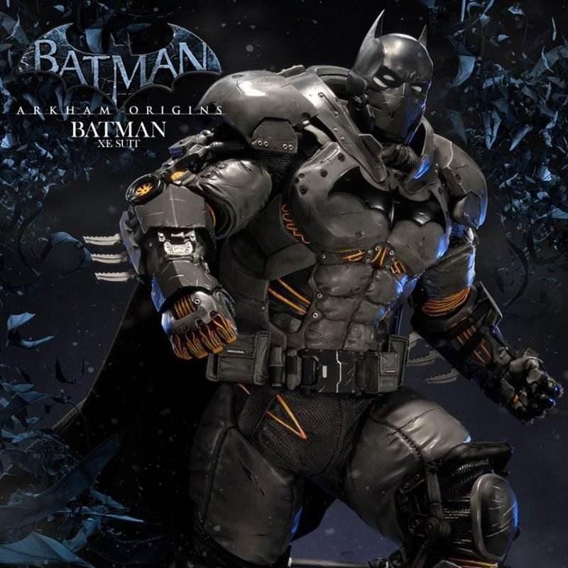 Batman XE Suit - Batman Arkham Origins - Polystone Statue