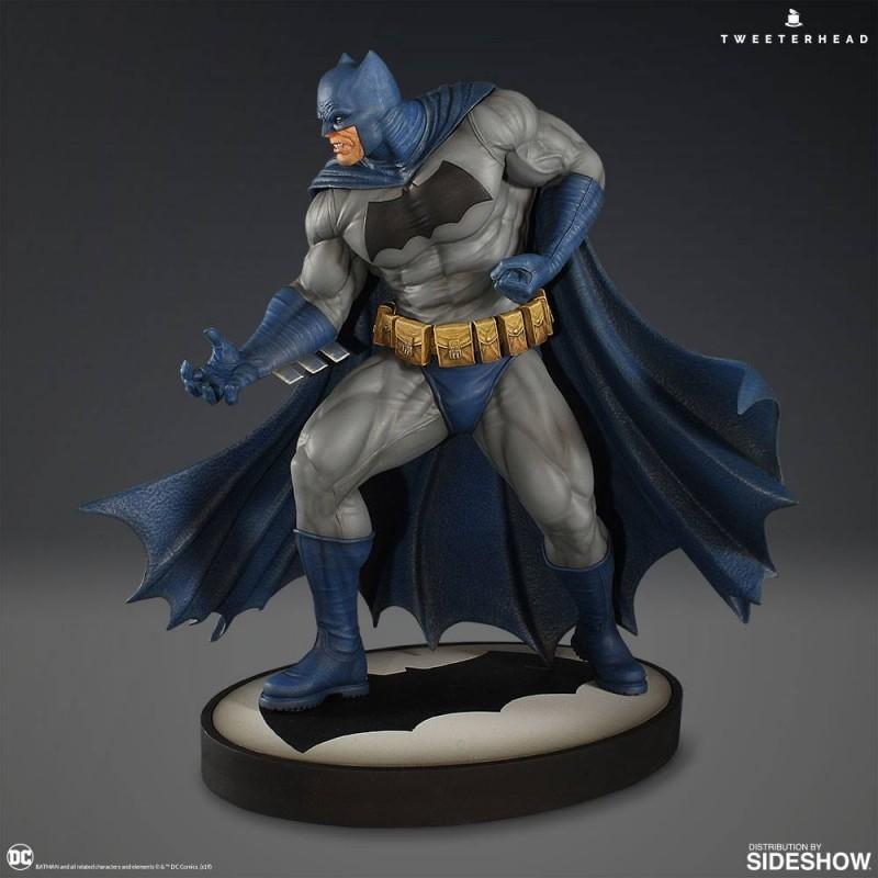 Batman - Dark Knight - 1/6 Scale Maquette