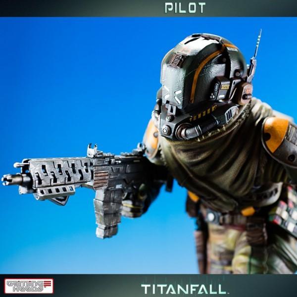 Pilot - Titanfall - Statue 59 cm