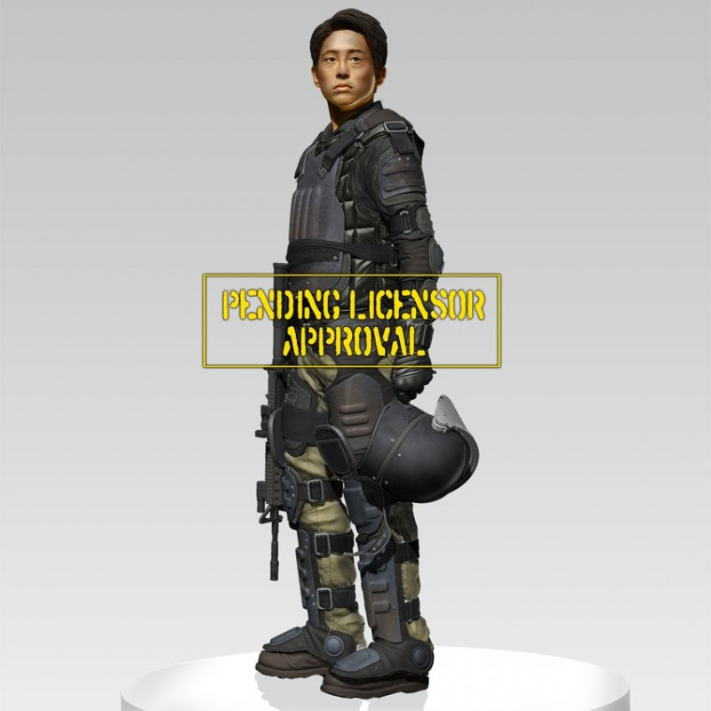 Glenn in Riot Gear - The Walking Dead - 1/4 Scale Statue