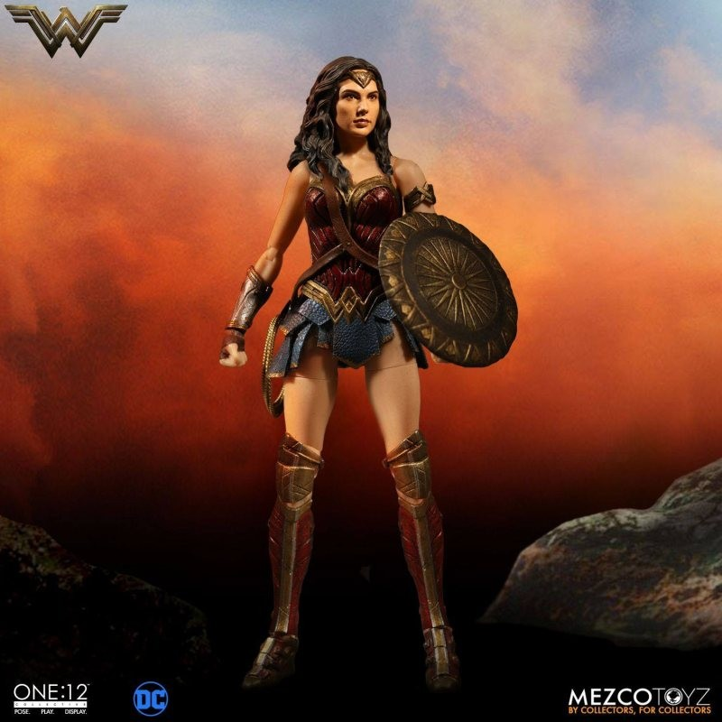 Wonder Woman - DC Universe - 1/12 Scale Figur