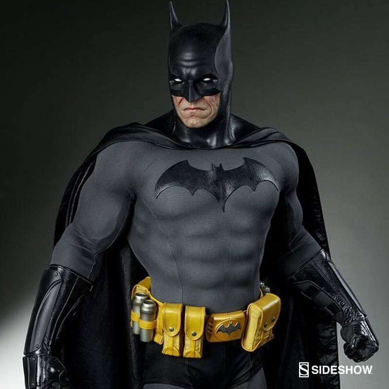 Batman - DC Comics - Legendary Scale Statue
