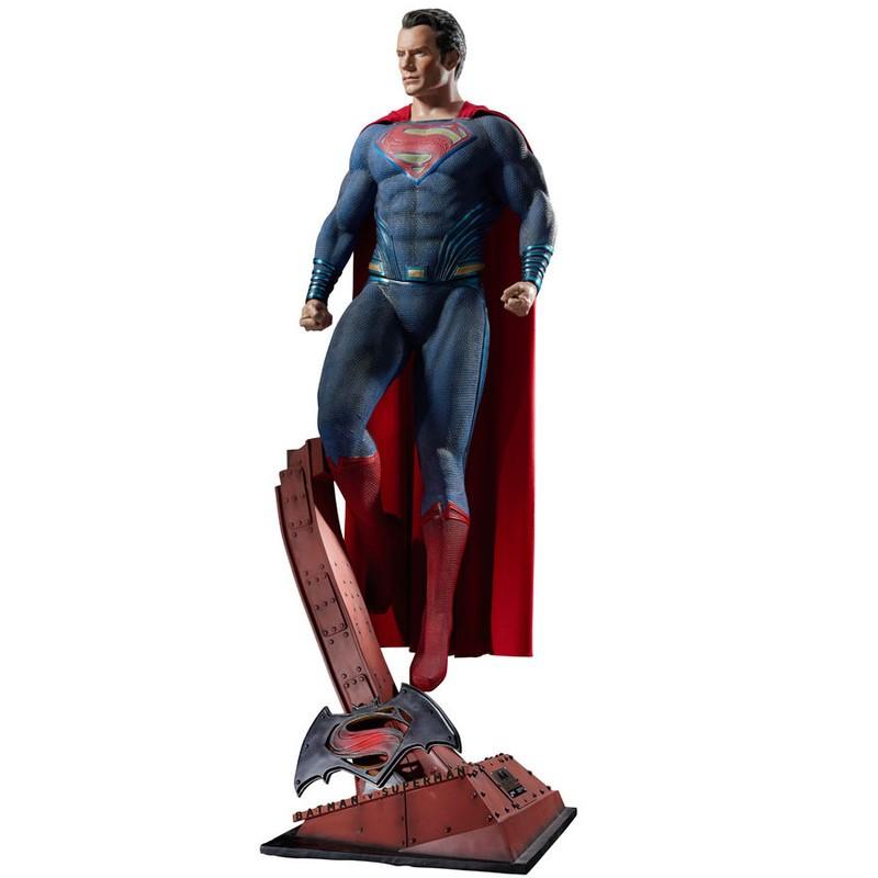 Superman - Batman v Superman - Life-Size Statue