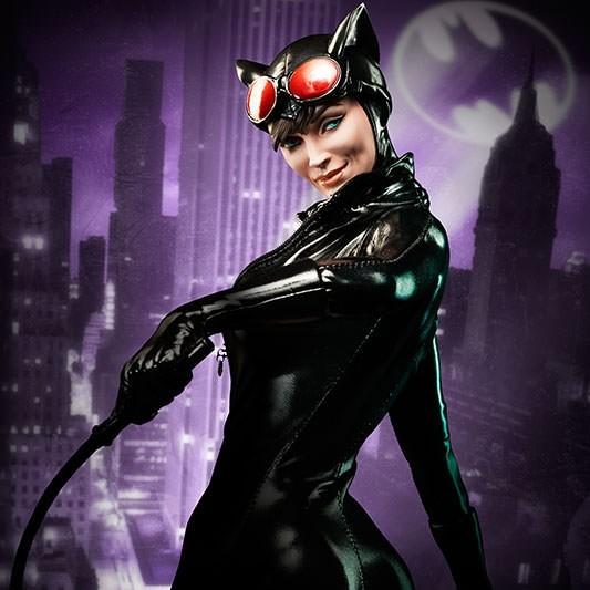 Catwoman - Premium Format Statue