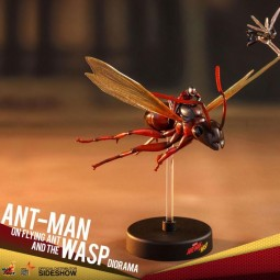 Ant-Man on Flying Ant and the Wasp - Ant-Man & The Wasp - Compact Figur