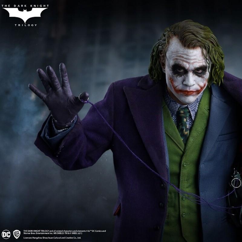 The Joker Regular Edition - The Dark Knight - 1/4 Scale Statue
