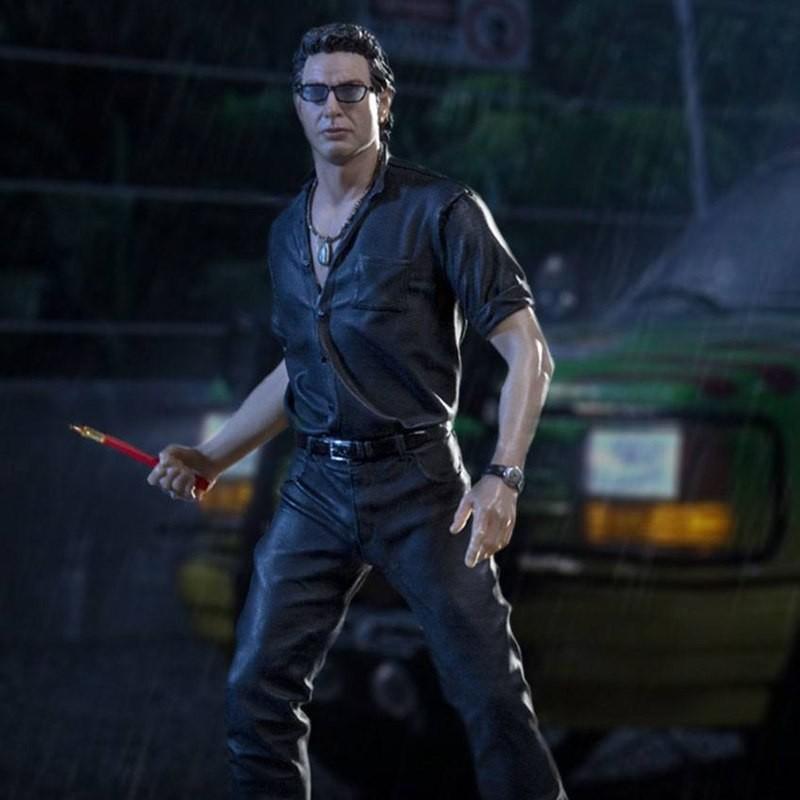 Ian Malcolm - Jurassic Park - 1/10 Scale Statue