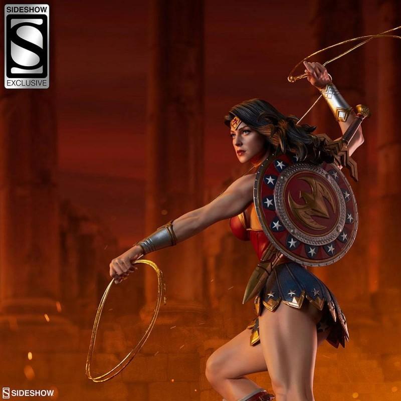Wonder Woman Sideshow Exclusive - DC Comics - Premium Format Statue