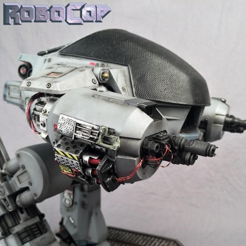 ED-209 - RoboCop 1987 - Statue