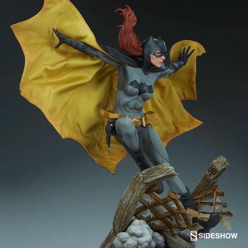 Batgirl - DC Comics - Premium Format Statue