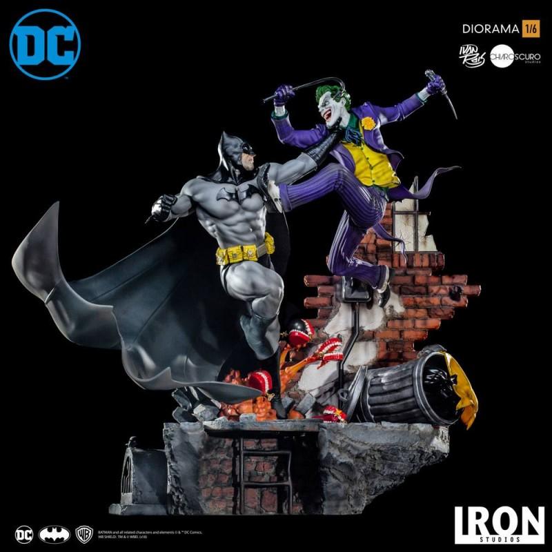 Batman vs Joker Battle by Ivan Reis - DC Comics - 1/6 Scale Diorama