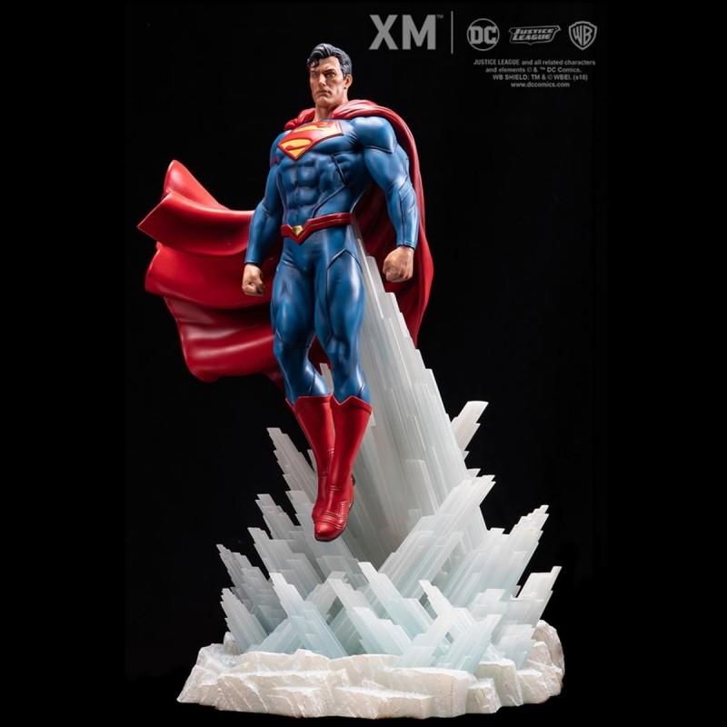 Superman - DC Comics - 1/6 Scale Premium Statue