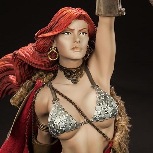 Red Sonja - Premium Format Statue