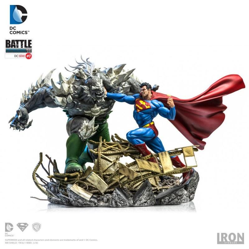 Superman vs Doomsday by Ivan Reis - DC Comics - 1/6 Scale Diorama