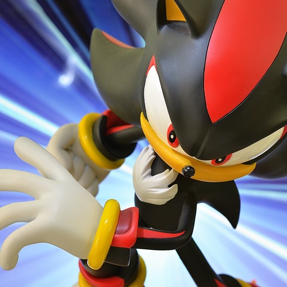 Shadow the Hedgehog - Sonic - Polystone Statue