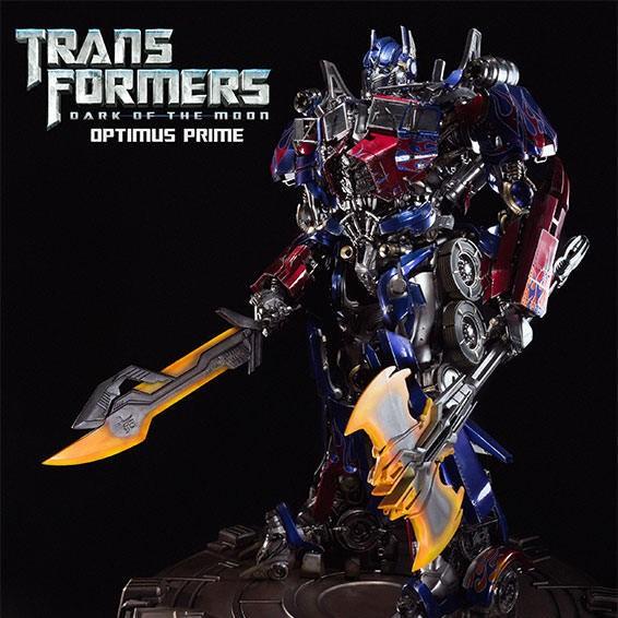 Optimus Prime - Transformers - Museum Master Line Statue
