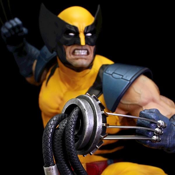 Wolverine on Sentinel Head - Marvel Comics - 1/4 Scale Premium Statue