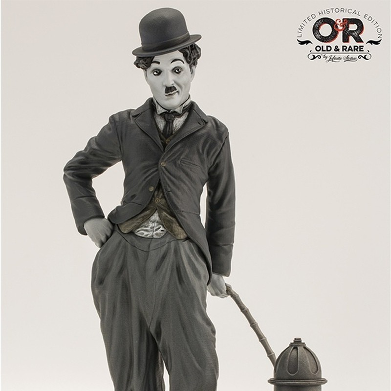 Charlie Chaplin - The Tramp - Resin Statue 26cm