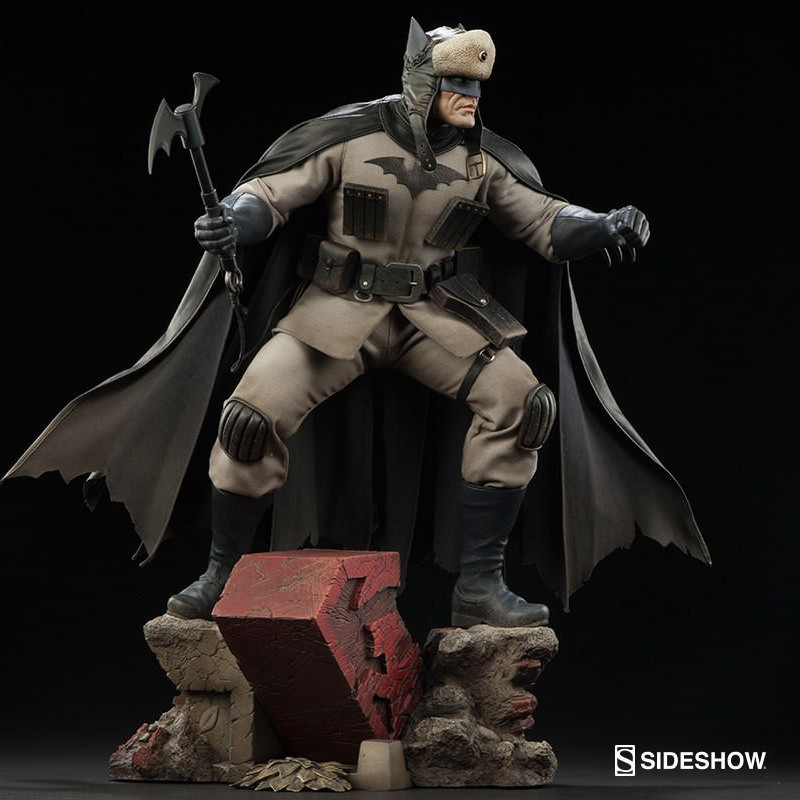 Batman Red Son - Premium Format Statue