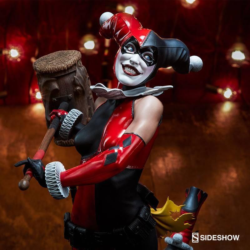 Harley Quinn - DC Comics - Premium Format Statue
