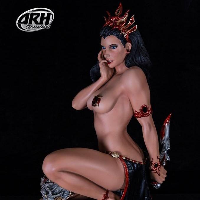 Arkhalla Hell's Fire - Arkhalla The Queen of Vampires - 1/3 Scale Statue