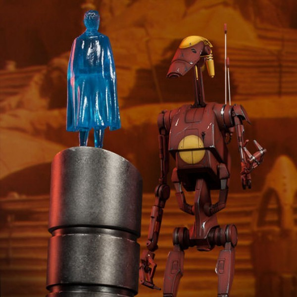 Geonosis Commander Battle Droid and Count Dooku Hologram