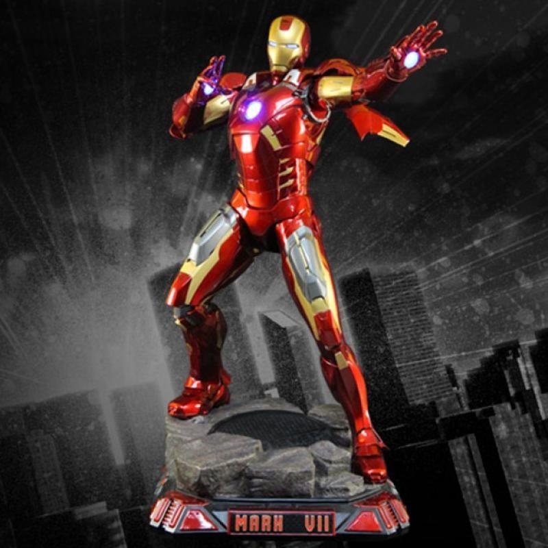 Iron Man Mark 7 - Avengers - 1/2 Scale Statue