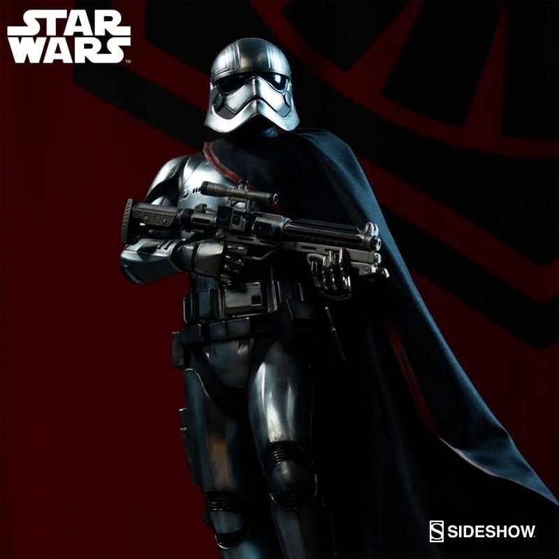 Captain Phasma - Star Wars - Premium Format Statue