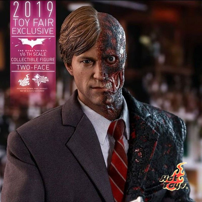 Two-Face - The Dark Knight - 1/6 Scale Figur