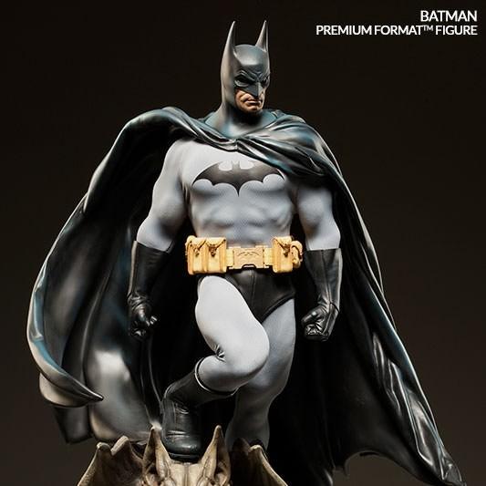 Batman - Premium Format Statue
