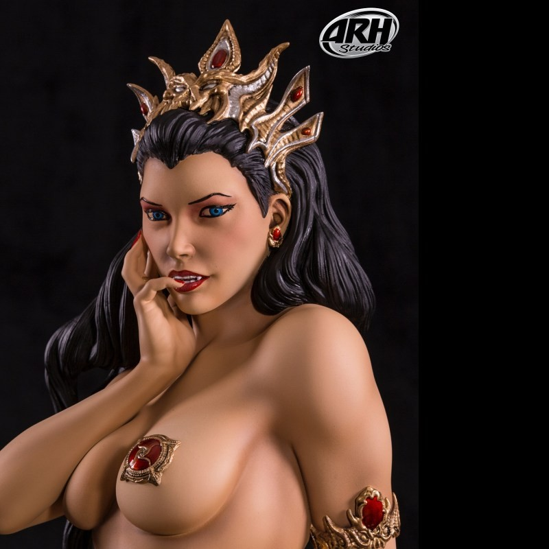 Arkhalla Regular Version - 1/3 Scale Statue