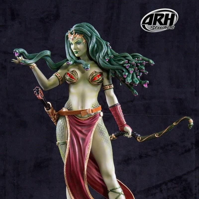 Medusa Victorious with Legs - 1/4 Scale Statue