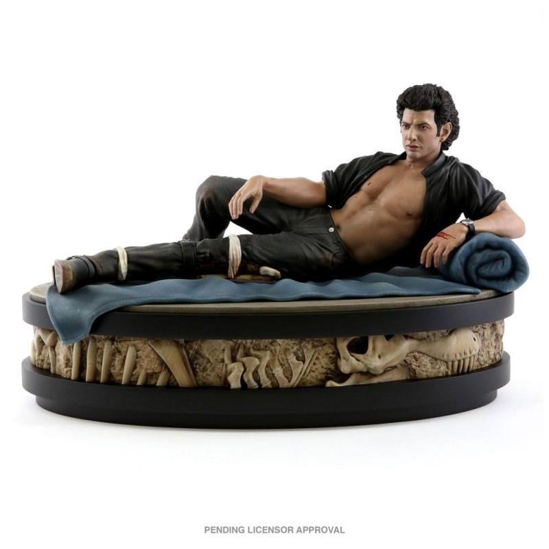 Ian Malcolm - Jurassic Park - 1/4 Scale Polystone Statue