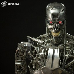 T-800 Endoskelett - Terminator Genisys - Life-Size Statue