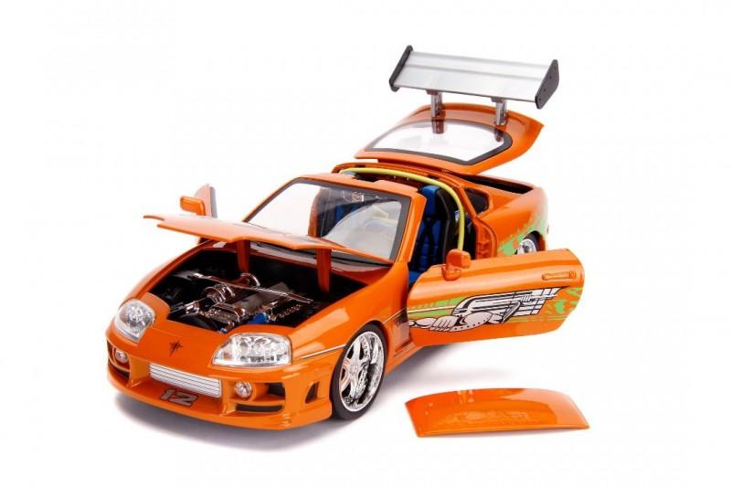 Toyota Supra mit Figur - Fast & Furious - Diecast Modell 1/18