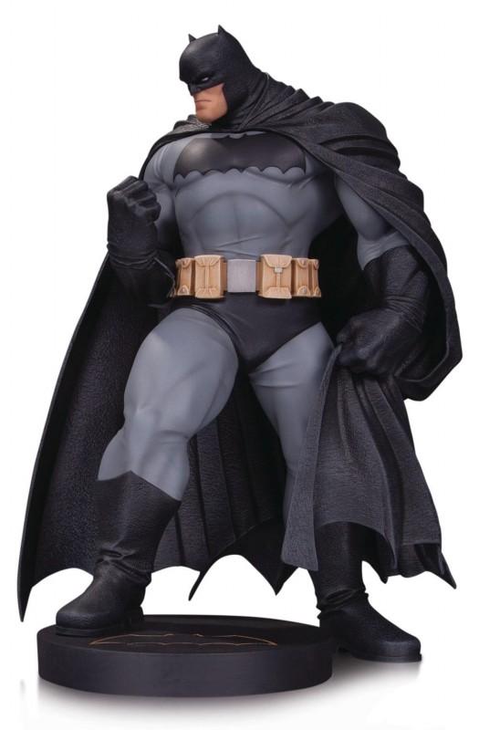Batman by Andy Kubert - DC Comics - Designer Series Mini-Statue