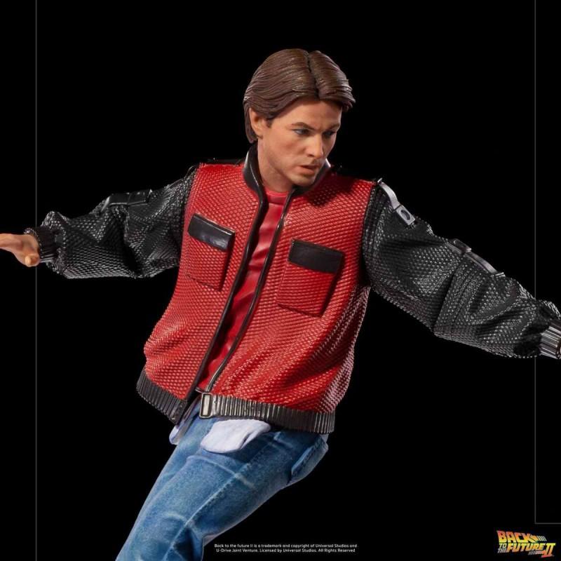 Marty McFly on Hoverboard - Zurück in die Zukunft II - 1/10 Art Scale Statue