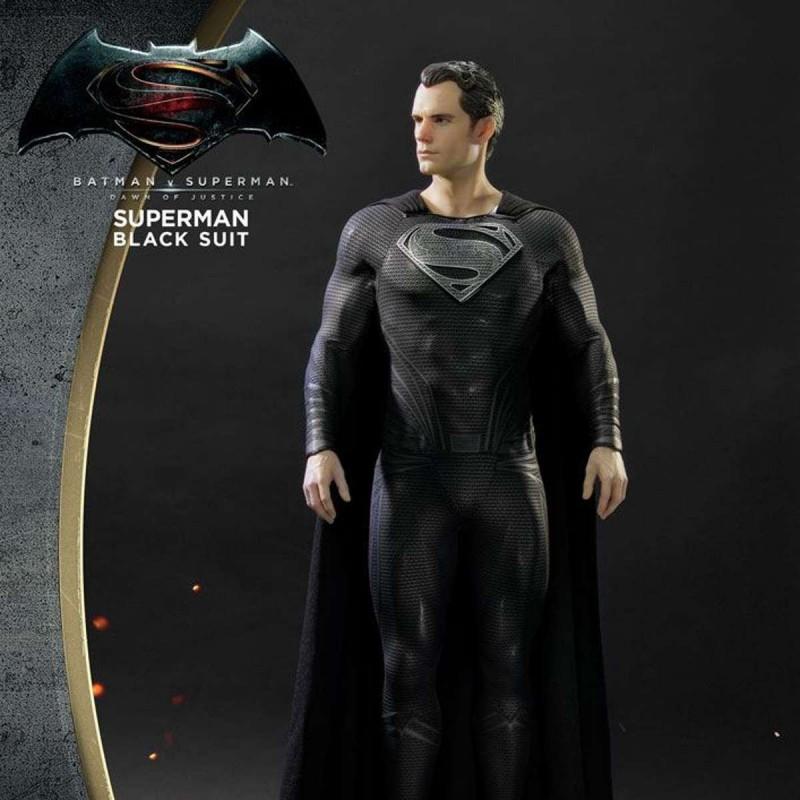 Superman Black Suit Version - Batman v Superman - 1/2 Scale Statue