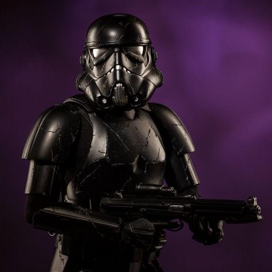 Blackhole Stormtrooper - Premium Format Statue