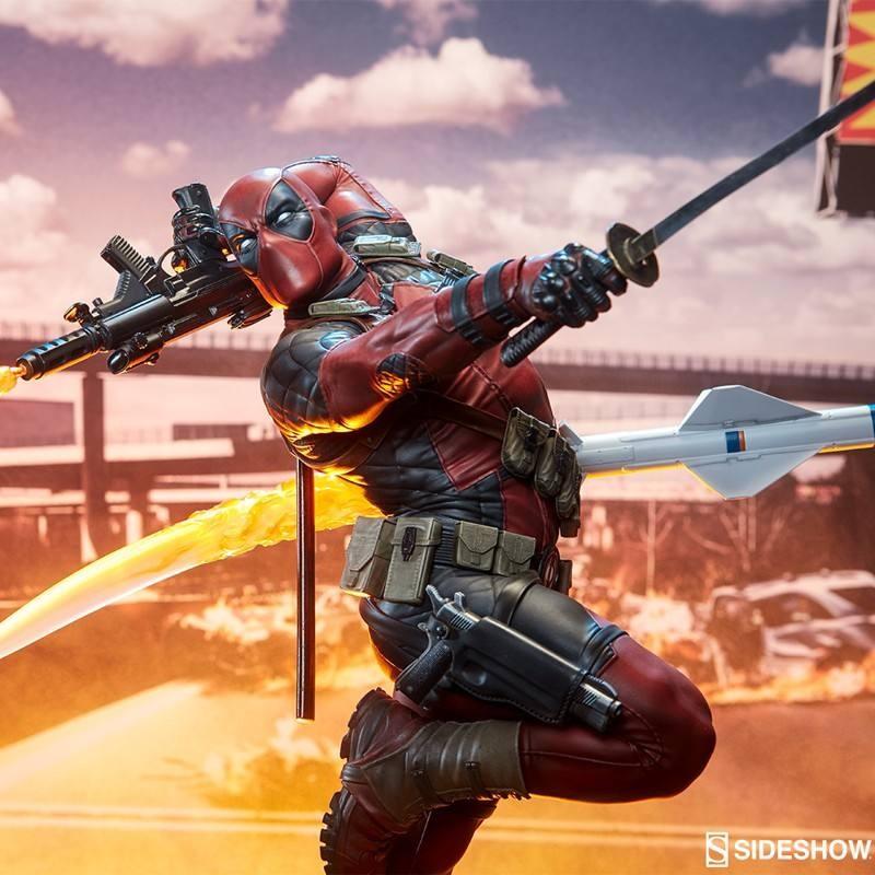 Deadpool Heat-Seeker - Premium Format Statue