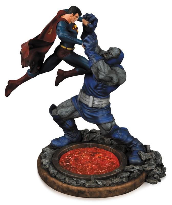 Superman vs. Darkseid 2nd Edition - DC Comics Statue