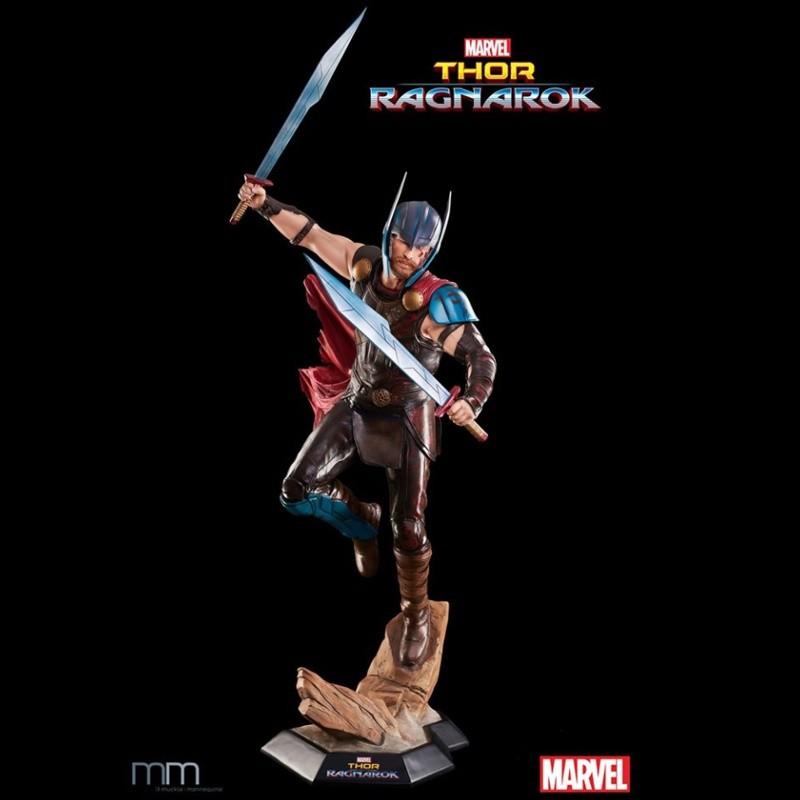 Thor - Thor Ragnarok - Life-Size Statue
